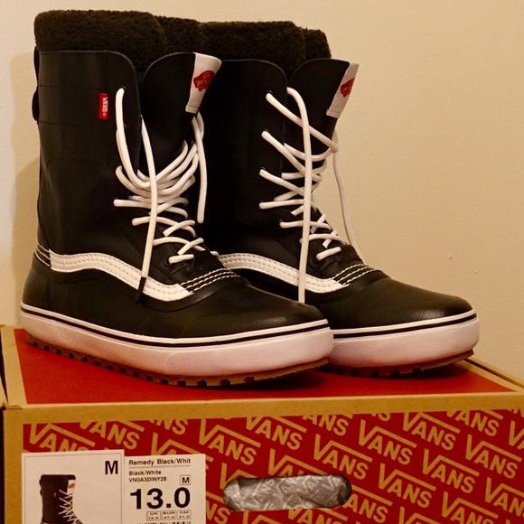 20b5fd85f67fe8 Brand New Vans Remedy boots